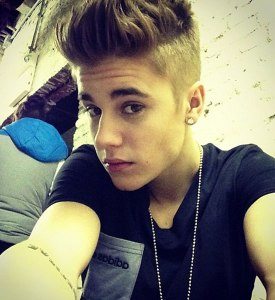 Justin-Bieber-2013-selfie